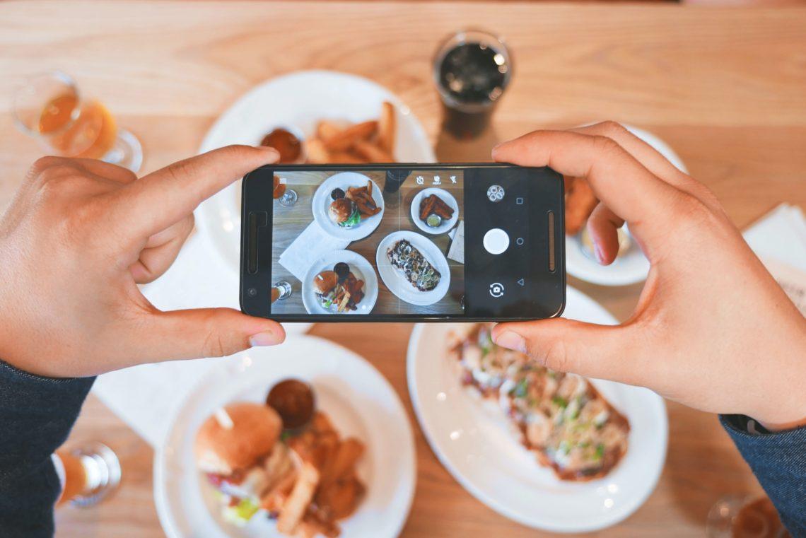Il mondo dell'alimentazione digitale.
